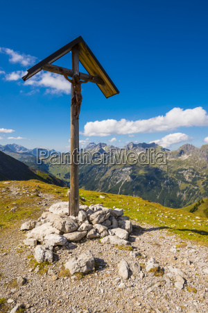 fahrt reisen wolke alpen kreuz outdoor