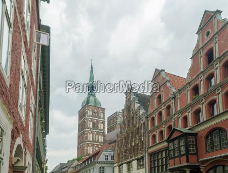 haus gebaeude historisch geschichtlich kirche wolke