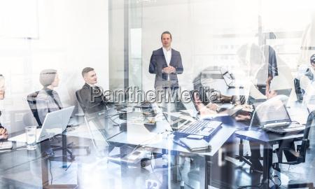 corporate business team buerositzung