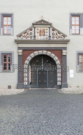 decorative entrance to a renaissance house