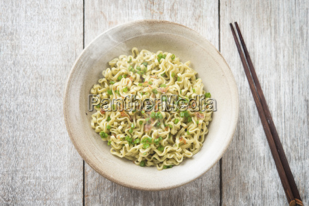 asian japanese dried ramen noodles