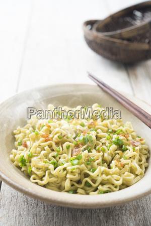 japanese dried ramen noodles