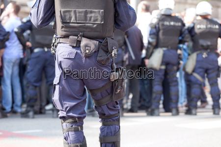 der polizeibeamte im dienst anti terrorismus