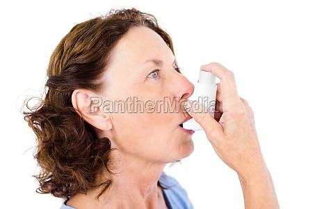 close up der reifen frau asthma