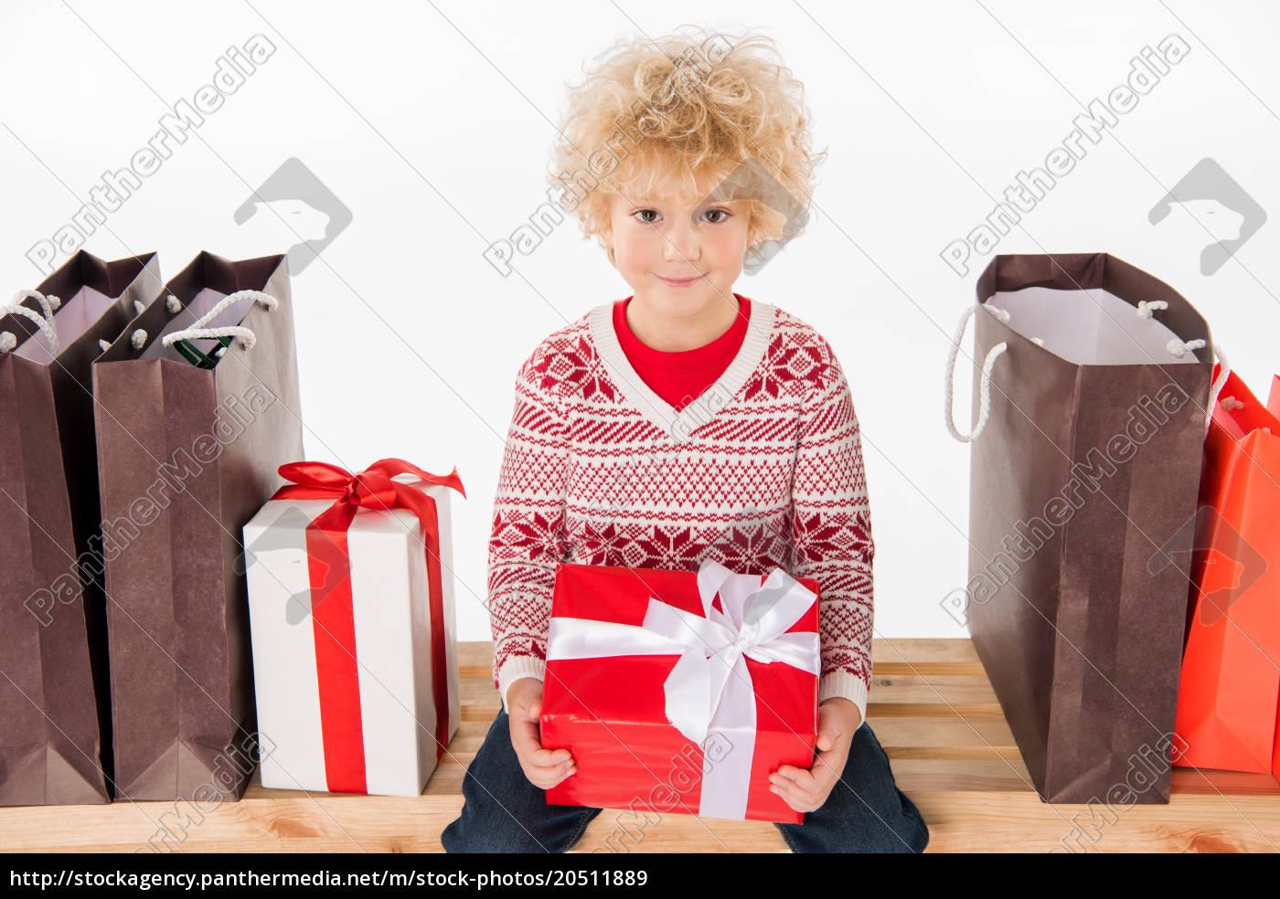 glückliches, kind, mit, geschenk-box - 20511889