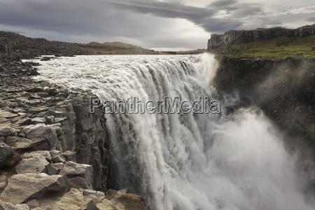 rushing water of the dettifoss falls