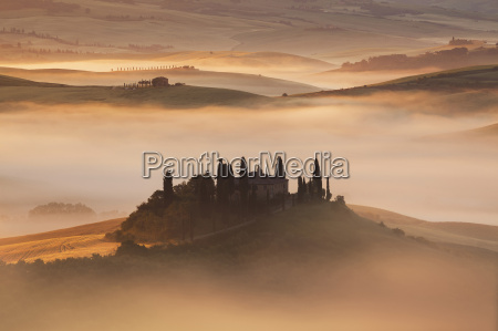 overview of podere belvedere in a