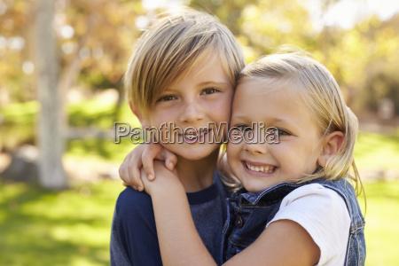 der junge bruder und die schwester
