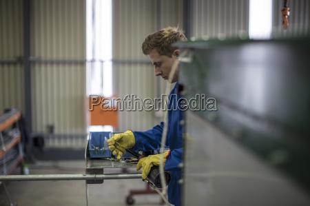 werkzeug arbeitsstelle handwerker industrie verkehr verkehrswesen