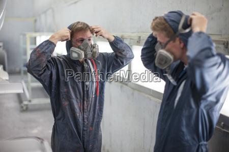 arbeitsstelle handwerker industrie arbeitskleidung zusammenarbeit werk