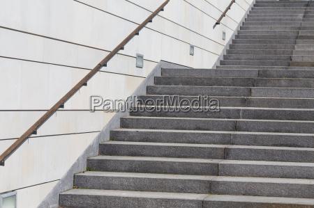 treppe eines modernen gebaeudes