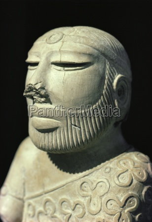 mohenjodaro a carved statue of king