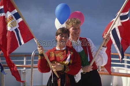 norweger feiern nationalfeiertag am 17 mai