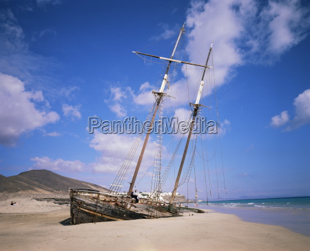 shipwreck on the beach fuerteventura canary