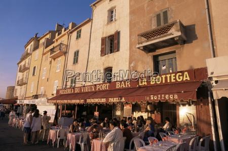 restaurants around the harbour st tropez