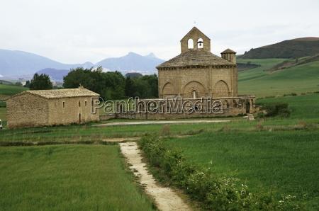 romanesque church of eunate pilgrims burial