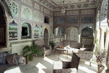 the exquisitely hand painted sultan mahal