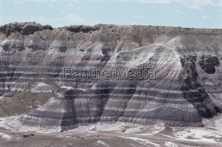 sedimentary rocks clay colour banded by