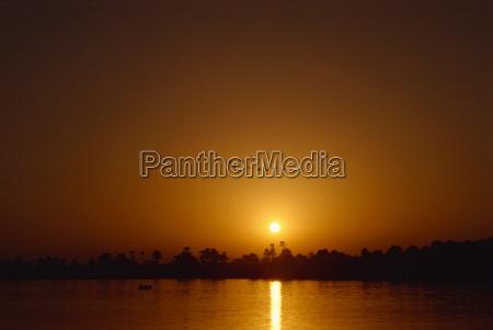 sunset on the nile luxor egypt