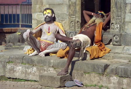 holy men posing for photos pashupatinath