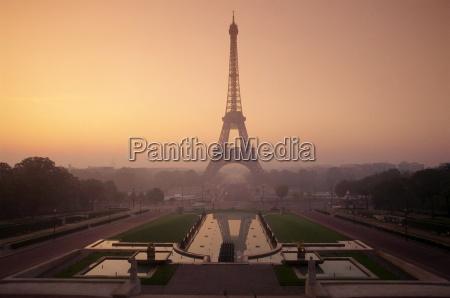 the eiffel tower at dawn paris