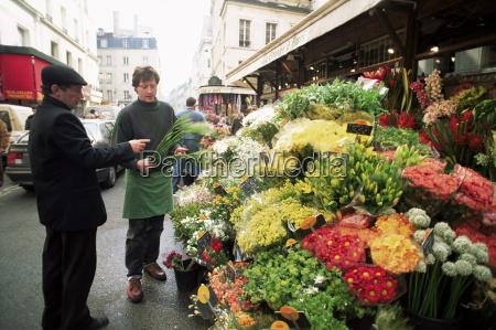 flower seller rue de buci paris