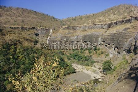 the caves at ajanta deccan hills