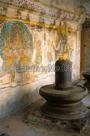shiva lingam in 10th century temple