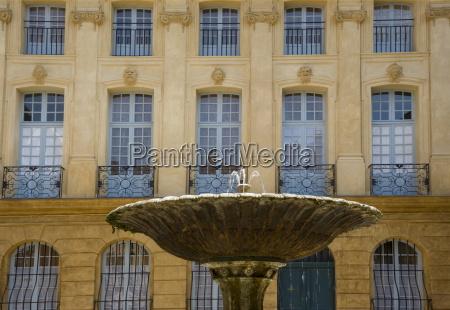 a fountain in place albertas aix