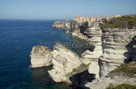 the haute ville perched on limestone