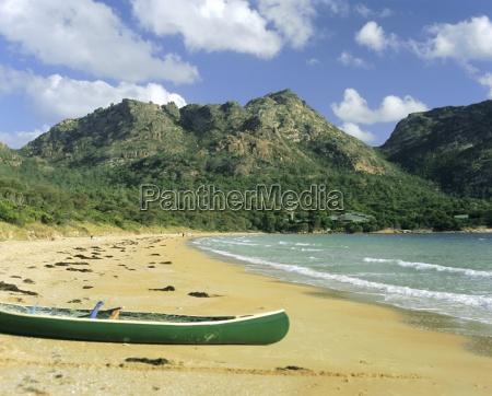 the hazards and richardson beach freycinet