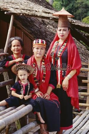 portrait of a bidayu family in