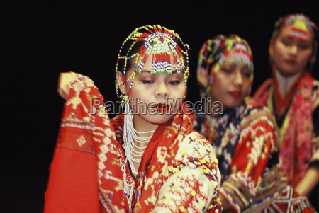 maranao dancers in philippines southeast asia