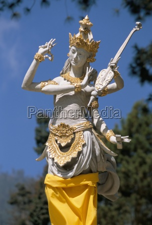 candi ceto hindu tempel mit elementen