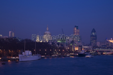 st pauls cathedral and the city