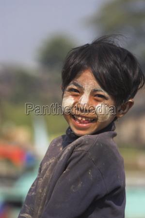 maedchen lachen uwe zoon jetty ayeyarwady