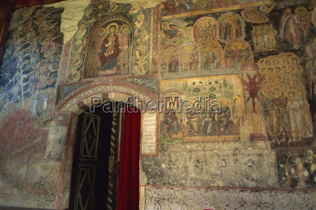 detail religioes kirche glaeubig kunst tuer