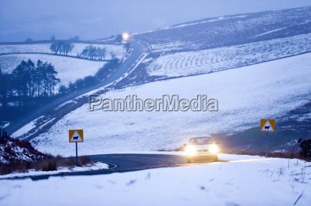 anhoehe huegel winter verkehr verkehrswesen europa
