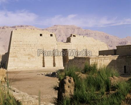 mortuary temple of ramses iii medinet