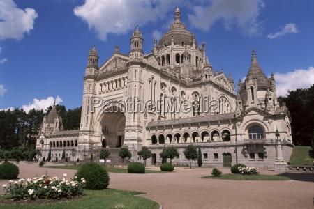 basilica of st theresa lisieux basse