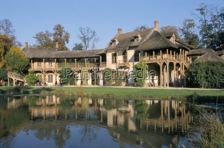queens house hameau hamlet chateau of