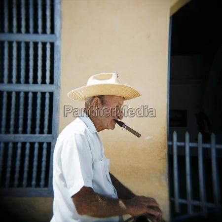 zigarre profil menschen leute personen mensch