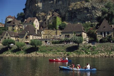 canoes la roque gageac dordogne france