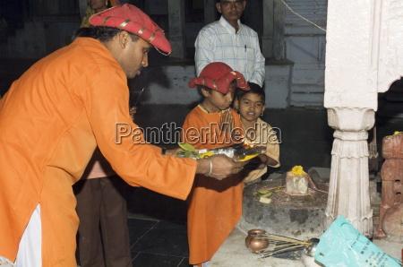 ceremony at hindu temple maheshwar madhya