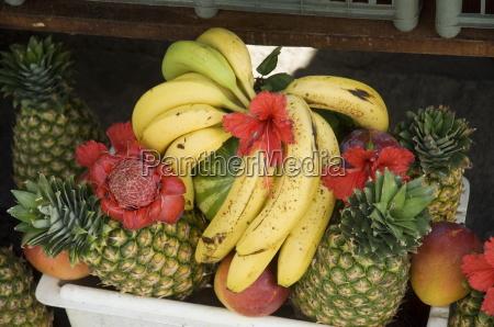 fruit stall manuel antonio costa rica