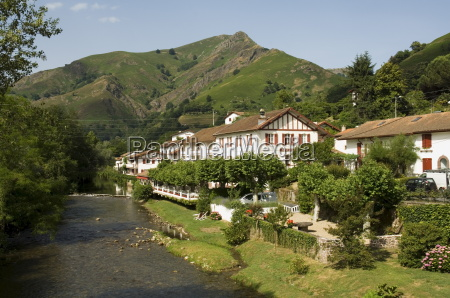 hotel arce on the river nive