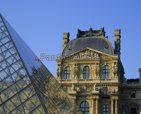 detail of the louvre and pyramid