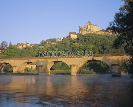 castelnaud bridge and chateau the dordogne