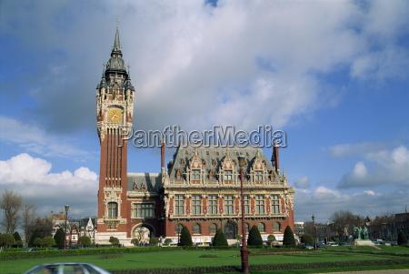 the hotel de ville town hall
