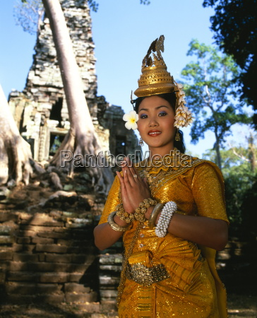 portrait of a traditional cambodian apsara